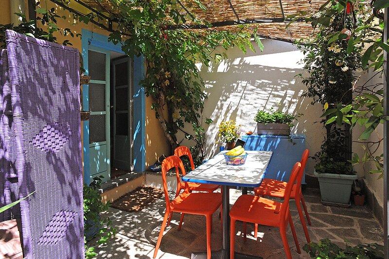 Cozy Apartment with garden in Lingotto Area, vacation rental in Carignano