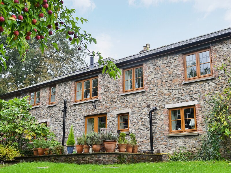 Grooms Cottage, holiday rental in Huntshaw