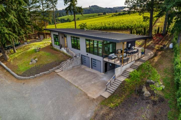 Modern Custom Wine Country Villa, Epic Views, Huge Decks, Fire-pit, Ping Pong, W, alquiler de vacaciones en Dayton