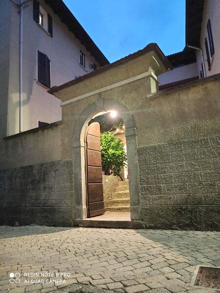 Casa Olmi- apartment Lago di Como - Valle Intelvi, holiday rental in Cerano D'intelvi