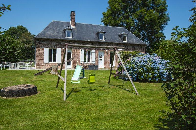 Gîte avec parc animalier sur propriété. A proximité Honfleur Deauville Le Havre, holiday rental in Honfleur