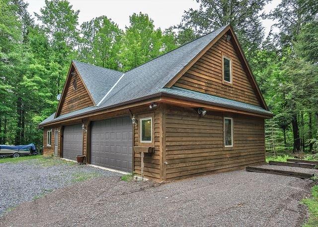 Cozy 3 bedroom cottage in Wisconsin's Northwoods!, location de vacances à Iron River