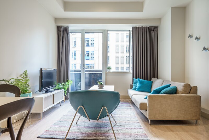 Collins St Chic with Netflix + Free Wine + Free Wifi, holiday rental in Yarra Glen