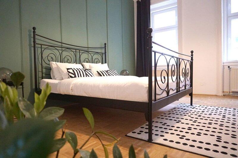 Großzügig, Nobel, 4 Schlafzimmer APT mit Balkon, holiday rental in Oberkirchbach