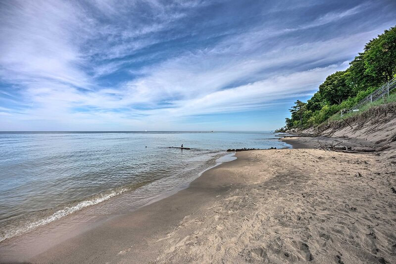 This vacation rental is within walking distance of Lake Michigan's shores!