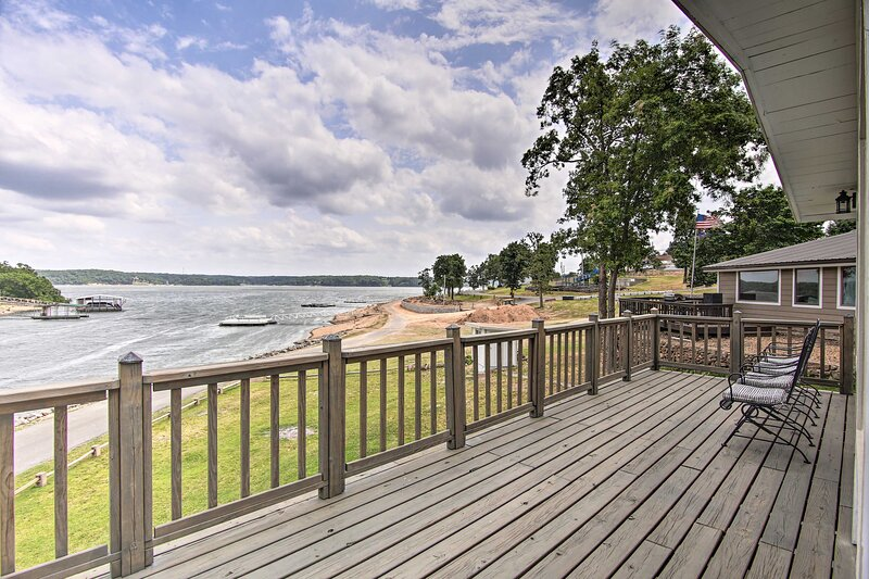 NEW! Updated Lakefront Cottage: Walk to Boat Ramp!, holiday rental in Bernice