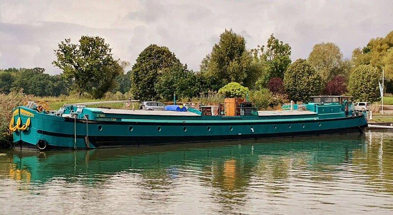 MS Poseidon - Traumhaftes Schiff für bis zu 12 Pers., holiday rental in Languimberg