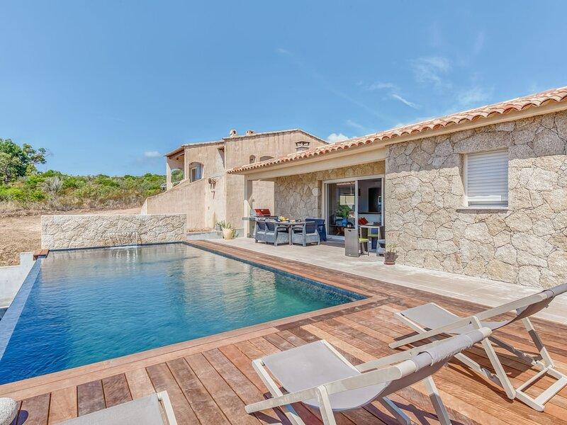 Villa Belios, holiday rental in Santa Giulia