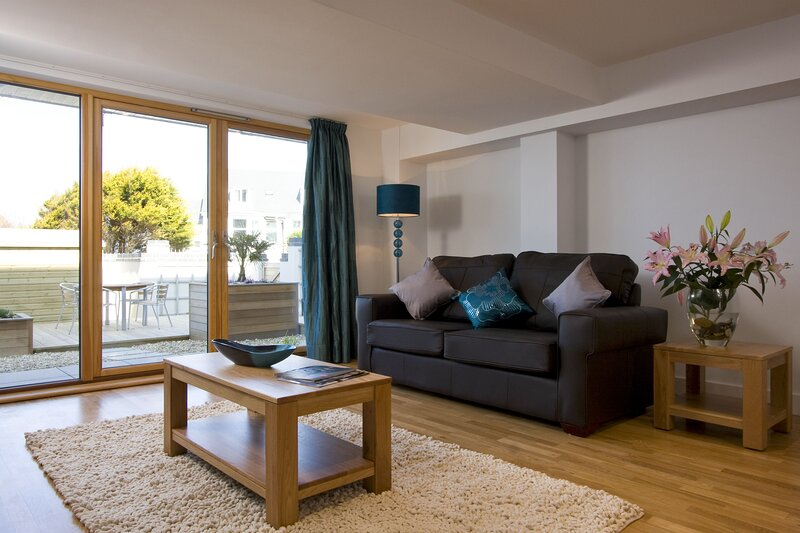 Fistral Beach Apartment 3, holiday rental in Newquay