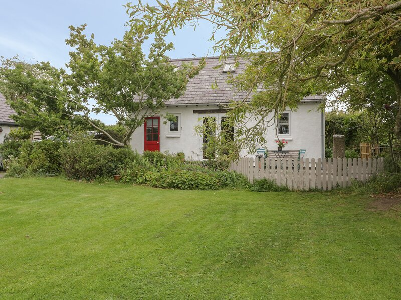 Little House, Red Wharf Bay, vacation rental in Llanddona