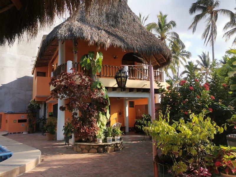 Bungalow para 8 personas, vacation rental in Chacala