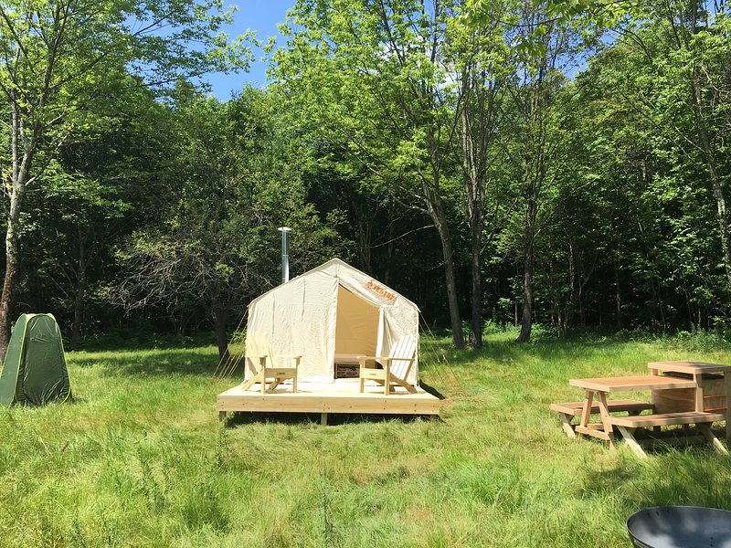 Tentrr Signature Site - Nights of 1000 Stars, holiday rental in West Oneonta