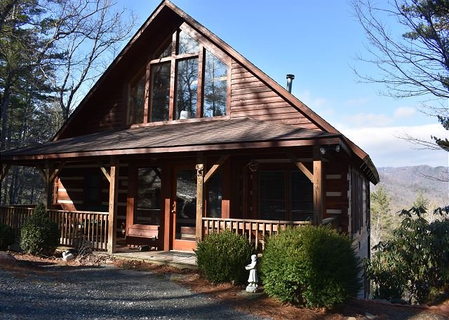 Ollie's Overlook  fabulous multi-level cabin located in Blackberry Gorge, alquiler de vacaciones en Blowing Rock