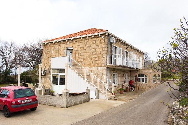 Two bedroom apartment Močići, Dubrovnik (A-12856-a), location de vacances à Mocici