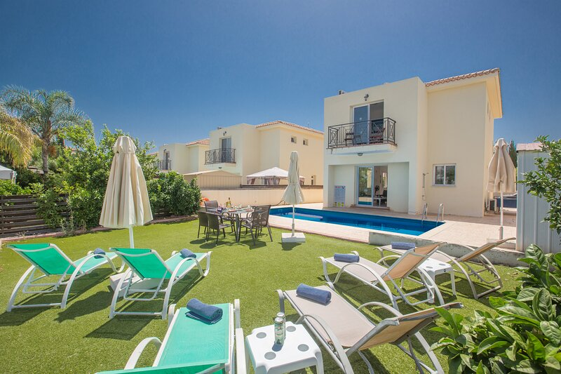 Protaras Villa CL9, 3 Bed Villa with pool, 400 Meters from the sea, vacation rental in Famagusta District