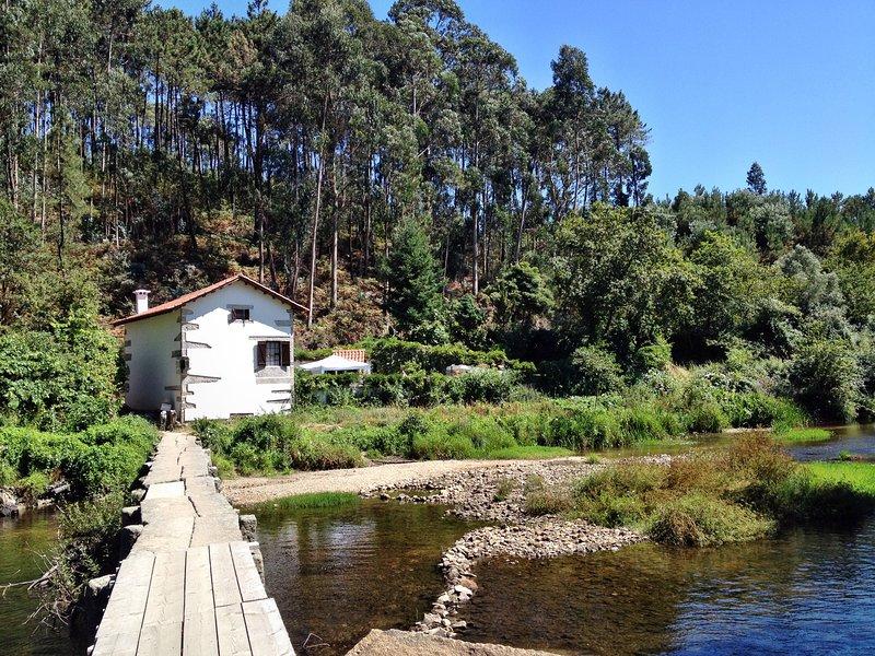 CASA AZENHA BRANCA, holiday rental in Belinho