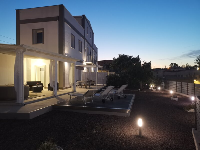 Villa Nico: Luxury Holiday Home, vacation rental in Casteldaccia