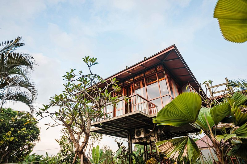 NEW treehouse in Canggu with rice field views - Ficus, holiday rental in Buduk