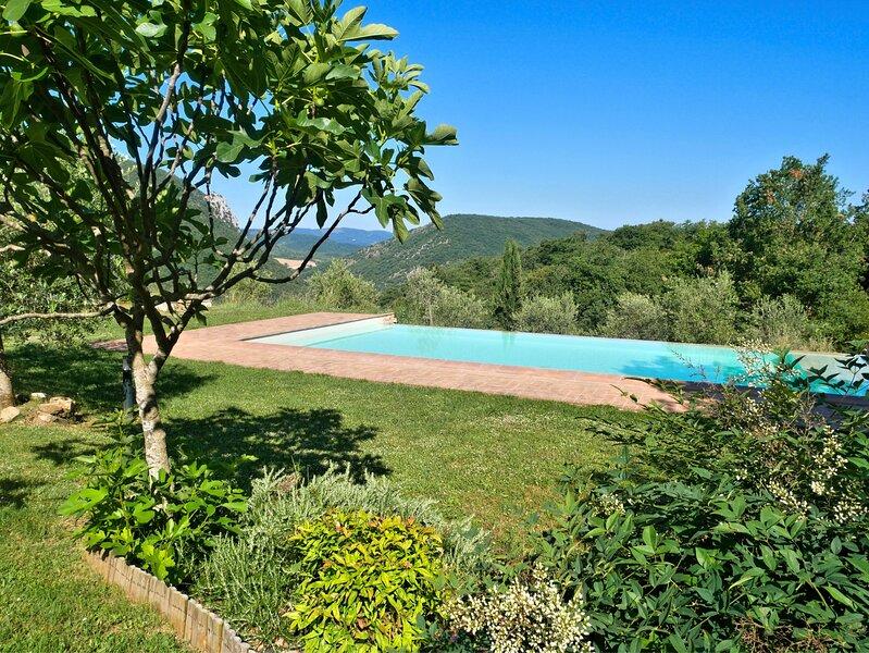 Villa Piantoni on Private Antognolla Golf Estate, holiday rental in La Bruna