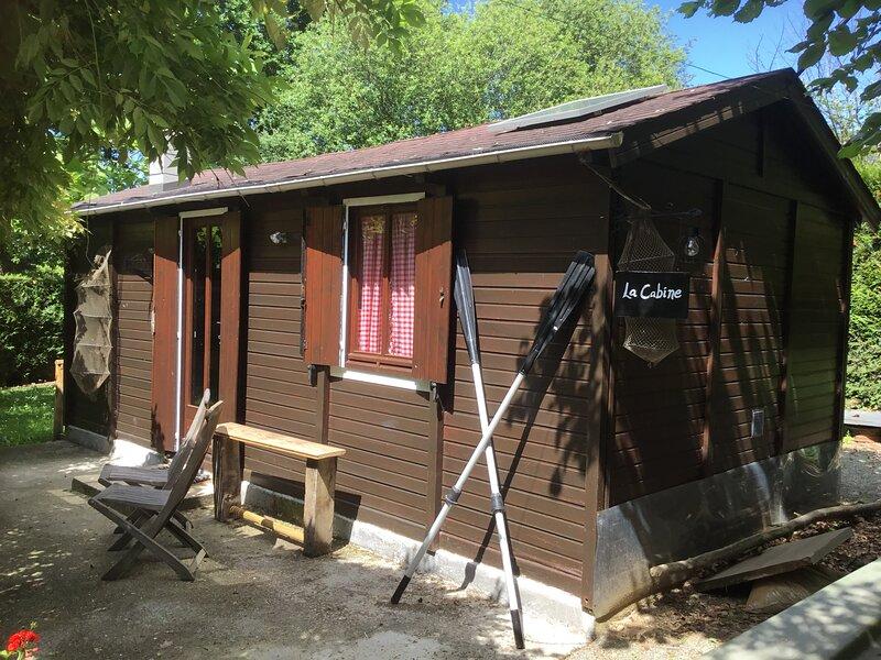 La Heudeliere, Pays de Loire , Cabin - Sleeps 2, location de vacances à Ambrières-les-Vallées