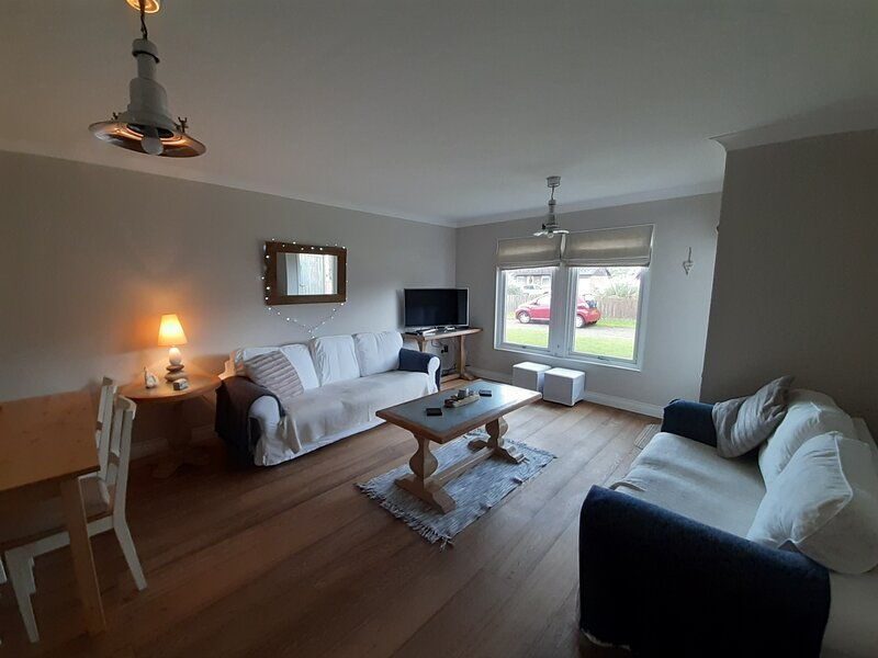 Beachcombers, 1 Dunes Court, holiday rental in Beadnell