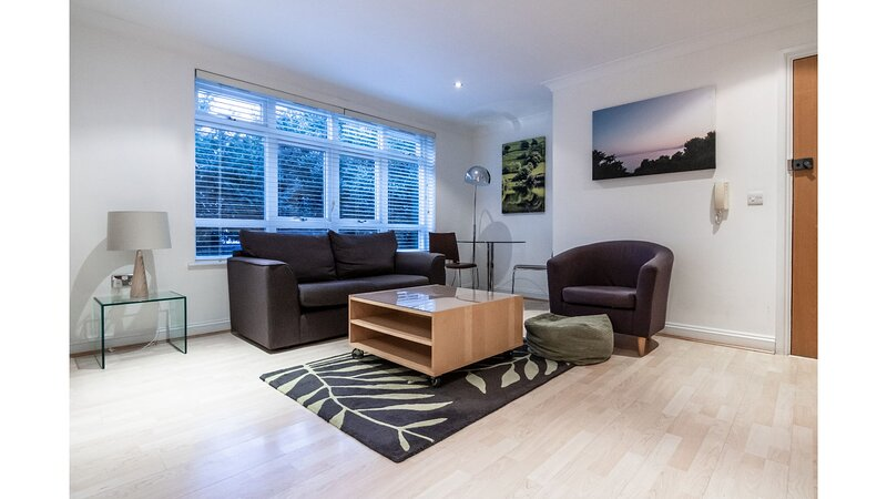 1 Bedroom In Kew Gardens Clarendon House Has Internet Access And Wi Fi Updated 2021 Tripadvisor Kew Vacation Rental