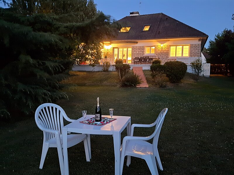 Belle villa à la campagne entre DISNEYLAND et PARIS, vacation rental in Claye Souilly