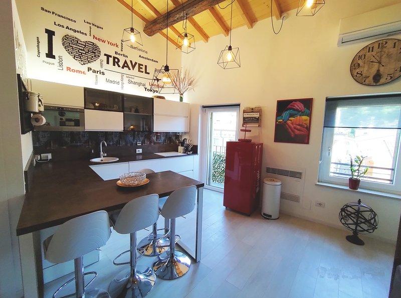 Veronetta Penthouse apartment, vacation rental in San Pancrazio
