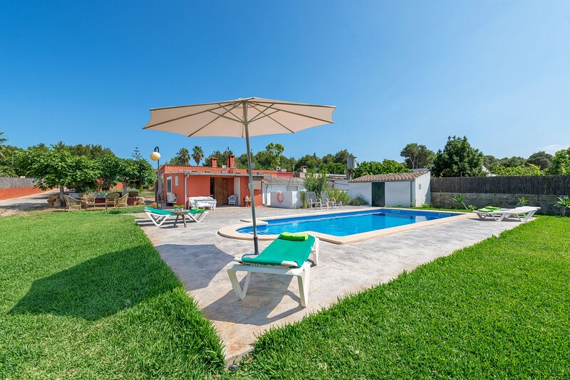 CAN CALAFAT - Villa for 4 people in Ca'n Picafort, holiday rental in Ca'n Picafort