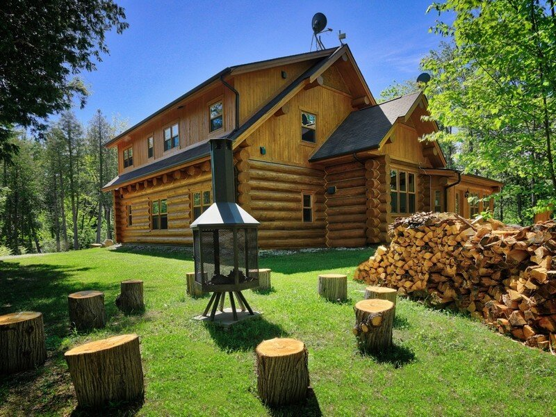Chalet Silver Fox Spa, holiday rental in Saint-Sauveur