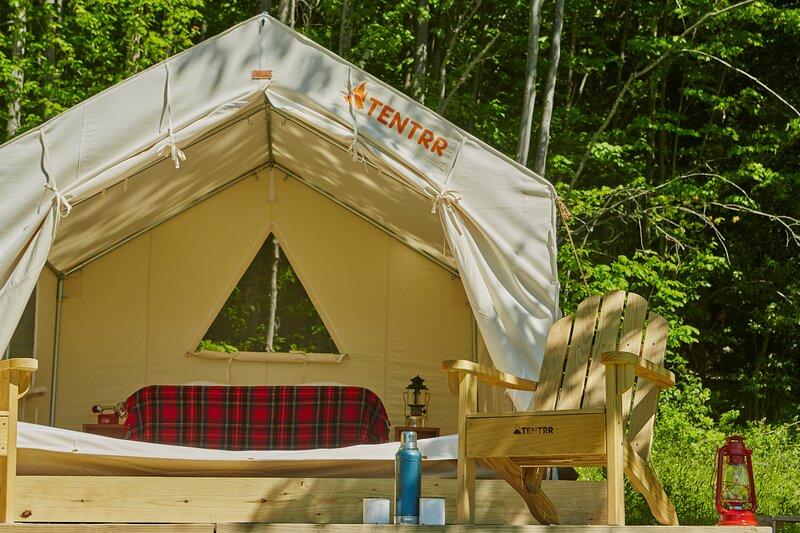 Tentrr Signature Site - Hummingbird Haven, vacation rental in North Branch