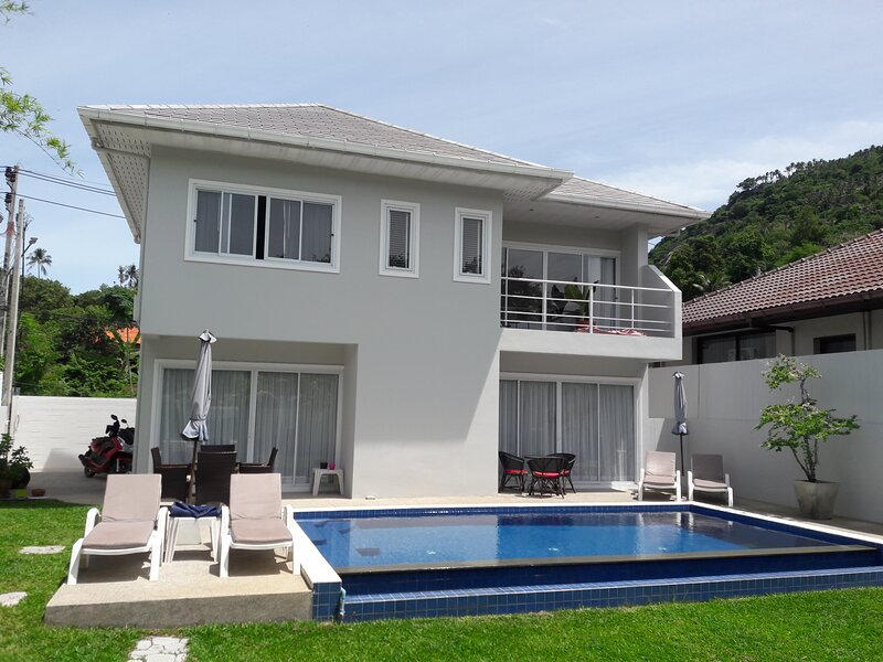3 BEDROOMS, PRIVATE POOL, LAMAI BEACH,, holiday rental in Maret