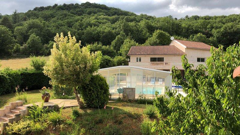 Les Figuiers de Louna - Pierre Ensoleillée (110 m² + veranda), holiday rental in Cabrerets