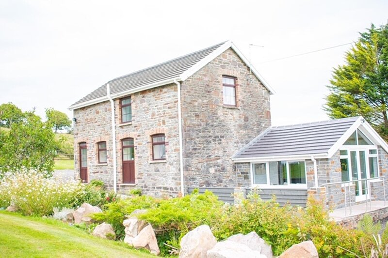 Gelli Hir Farm Holiday Cottage, casa vacanza a Llannon