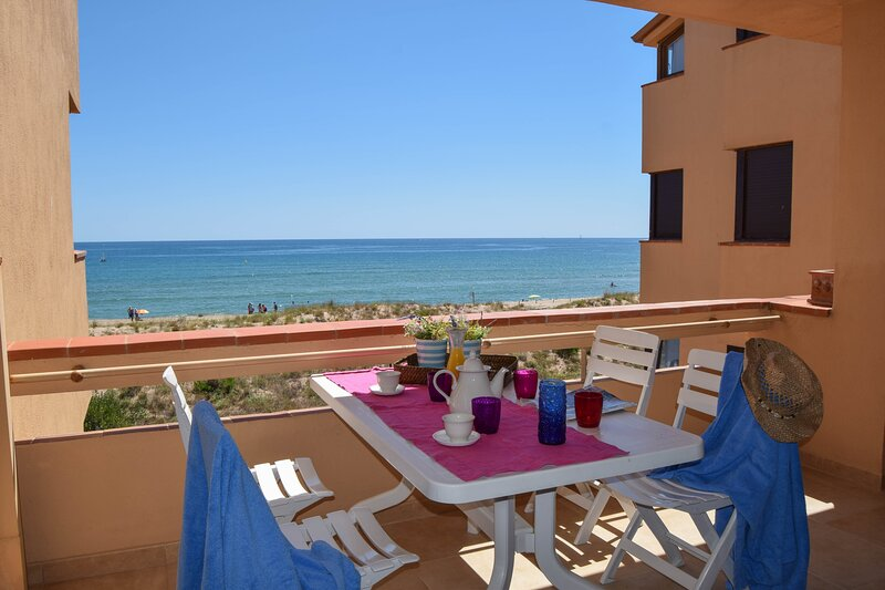 I5-First Line Apartment-Parking-Wifi-, holiday rental in Pals