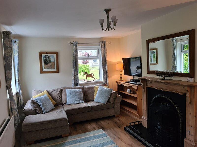 Aldergrove cottage, holiday rental in Aldergrove