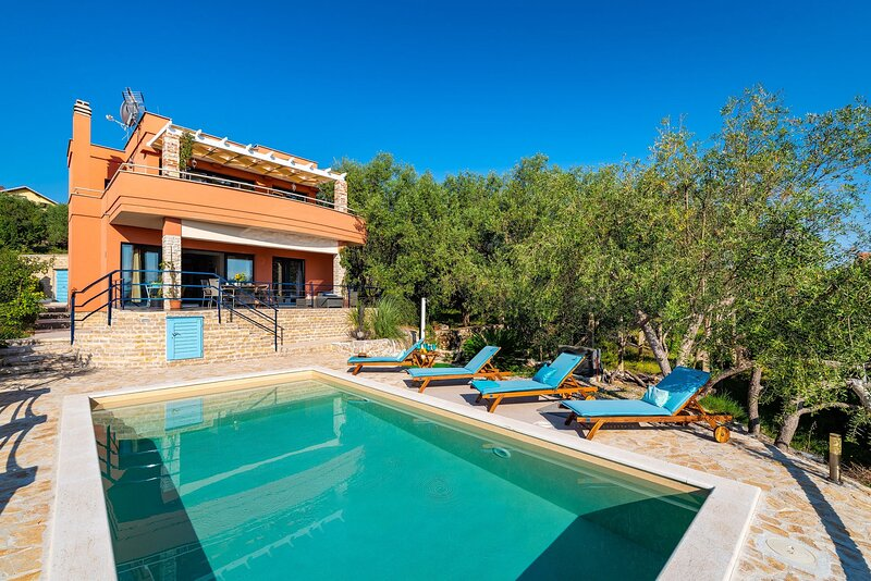 Lovely Villa Serenity, on the Island of Ugljan, holiday rental in Ugljan Island