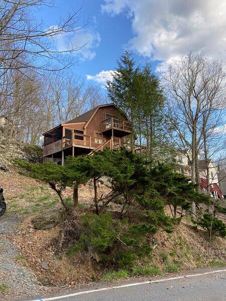 Saw Creek Cabin - Regent, holiday rental in Bushkill