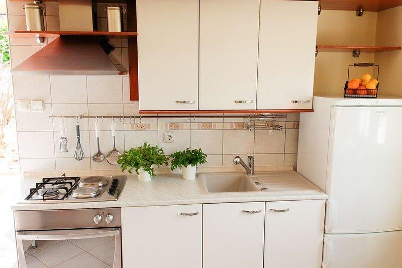 Holiday home 140675 - Holiday apartment 118758, alquiler vacacional en Lukoran