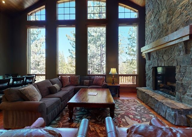 Stonegate 12-Stay in absolute luxury in this Lodge near the Village!, vacation rental in Mammoth Lakes