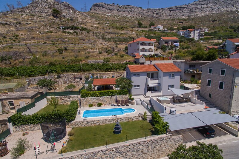 Villa Roko-Private heated pool-Whirpool-Panorama view on sea,Split and islands, holiday rental in Solin