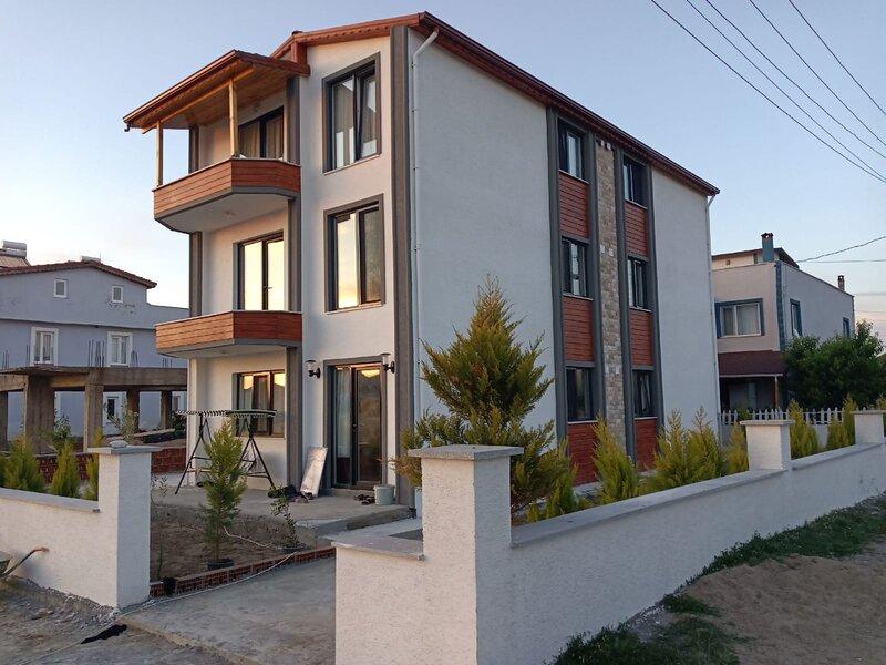 BAZYEL APART HOTEL, holiday rental in Bozcaada