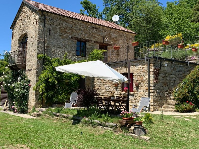B&B nelle Langhe Piemontesi: natura e tranquillità, vakantiewoning in Olmo Gentile