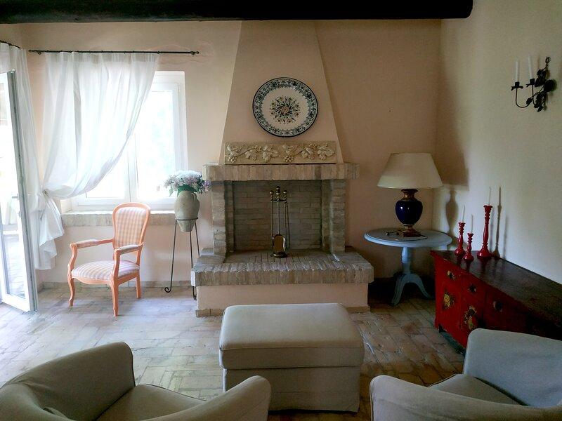Appartamento Dog Friendly in Villa con Piscina, holiday rental in Bucchianico