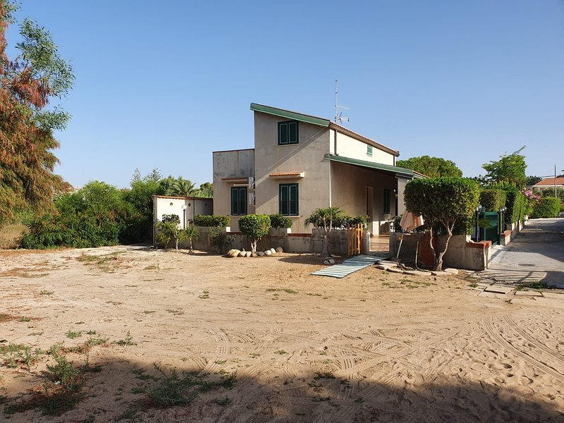 Casa Vacanze in riva al mare, vacation rental in Pozzallo