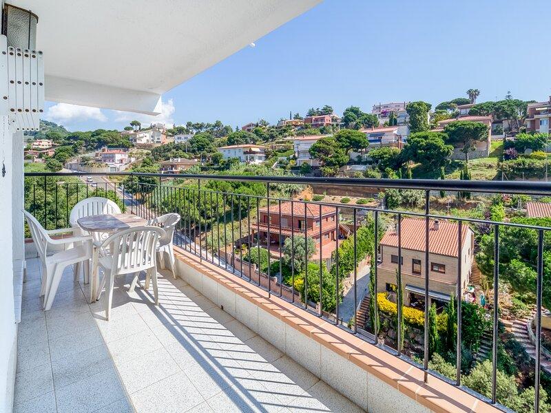 Apartment 500m beach with mountain views, aluguéis de temporada em Calella