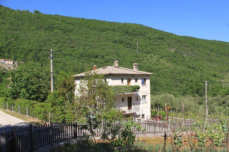 Three bedroom apartment Mošćenička Draga, Opatija (A-7747-a), alquiler de vacaciones en Moscenicka Draga
