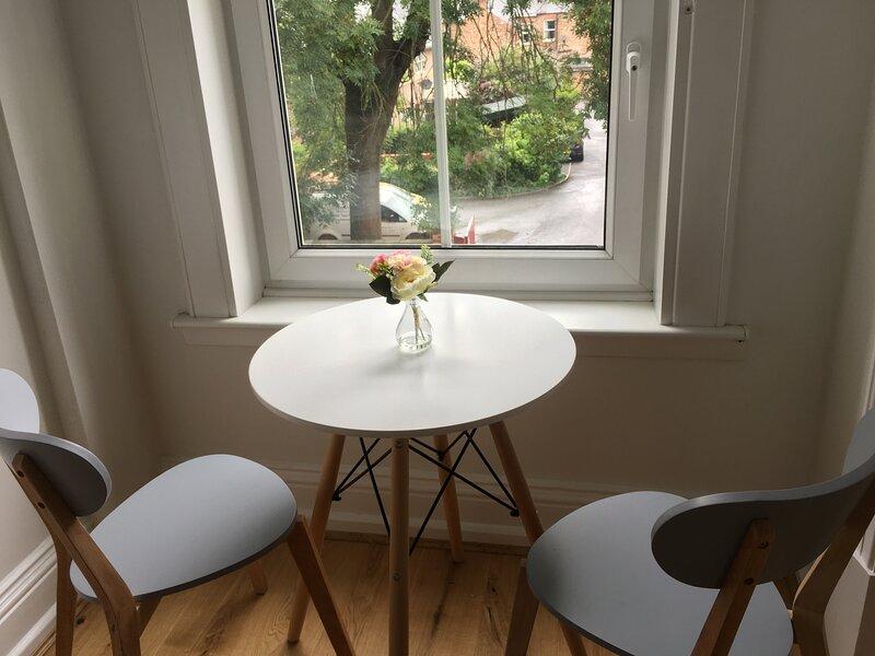Delightfully Stylish Studio for 2 in York, vacation rental in Stillingfleet