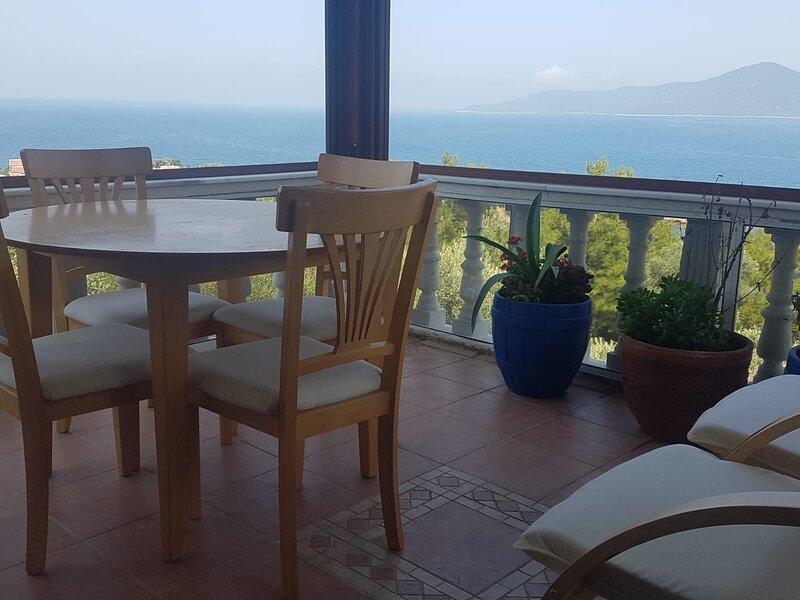 Seaside Villa, holiday rental in Kiyikislacik