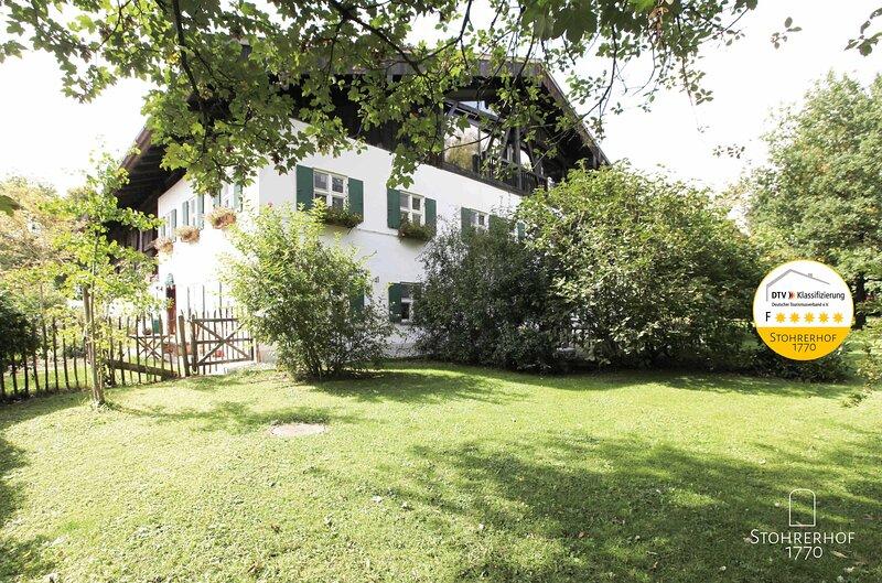Exklusiv bis 15 Personen - 5 Sterne Gut Stohrerhof am Ammersee, holiday rental in Feldafing